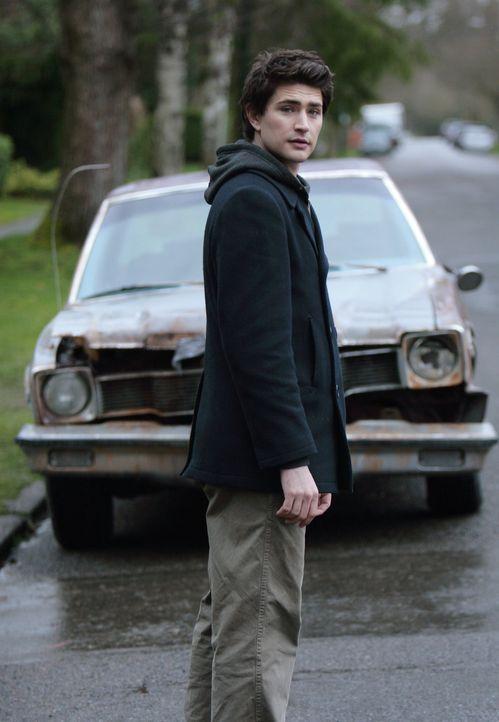 Kyle (Matt Dallas) gönnt seinem Freund Josh die Freude über das neue Auto. Das Glück währt jedoch nur kurz ... - Bildquelle: TOUCHSTONE TELEVISION