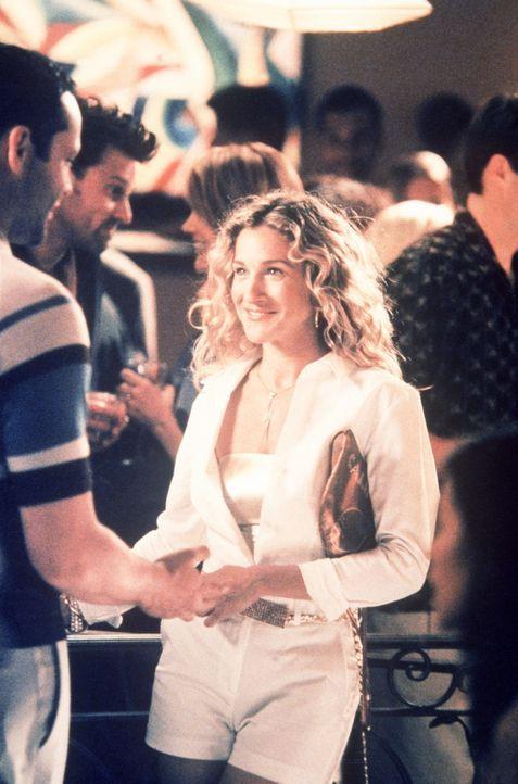 Bei einer Filmpremiere lernt Carrie (Sarah Jessica Parker, r.) den Agenten Keith (Vince Vaughn, l.)  kennen, und es funkt sofort. - Bildquelle: Paramount Pictures