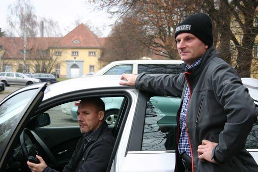 Mein Revier - Ordnungshüter räumen auf - Michael Ottwaska und Andreas Nowy zi...