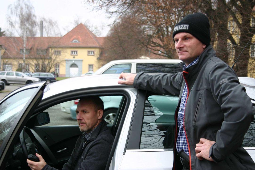 Michael Ottwaska und Andreas Nowy ziehen auf den Autobahnen rund um Karlsruhe Fahrzeuge aus dem Verkehr, die sich und anderen gefährlich werden kö... - Bildquelle: kabel eins