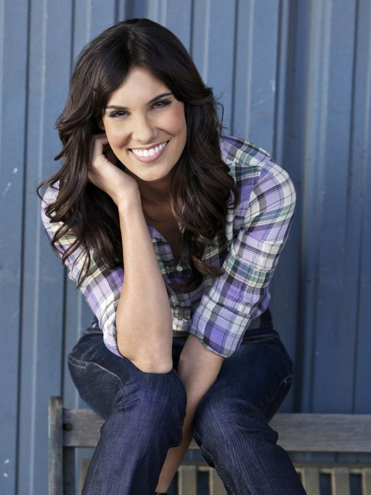 (3. Staffel) - Ermittelt Undercover im sonnigen Los Angeles: Special Agents Kensi Blye (Daniela Ruah) ... - Bildquelle: CBS Studios Inc. All Rights Reserved.