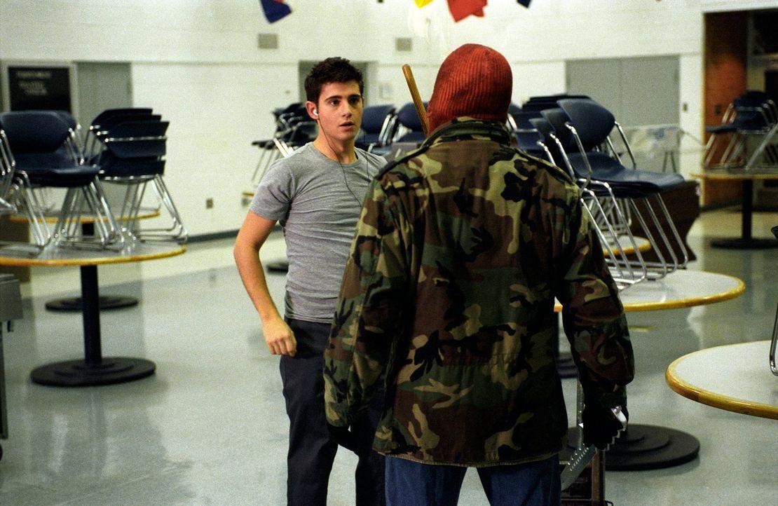 """""""Die ich rief, die Geister, werd' ich nun nicht los"""": Kaum hat Owen (Julian Morris, l.) den erfundenen Serienkiller """"The Wolf"""" auf seine neue Schule... - Bildquelle: Square One Entertainment"""
