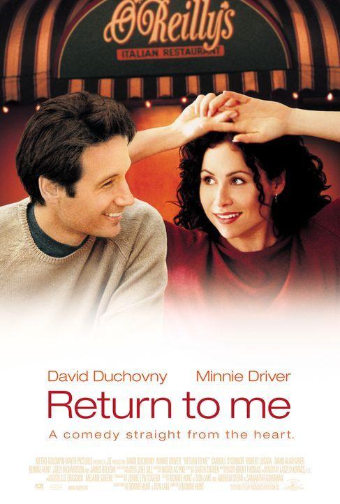 Bob Rueland (David Duchovny, l.) verliebt sich in die Kellnerin Grace Briggs (Minnie Driver, r.) und findet heraus, dass sie die Empfängerin des Sp... - Bildquelle: Metro-Goldwyn-Mayer