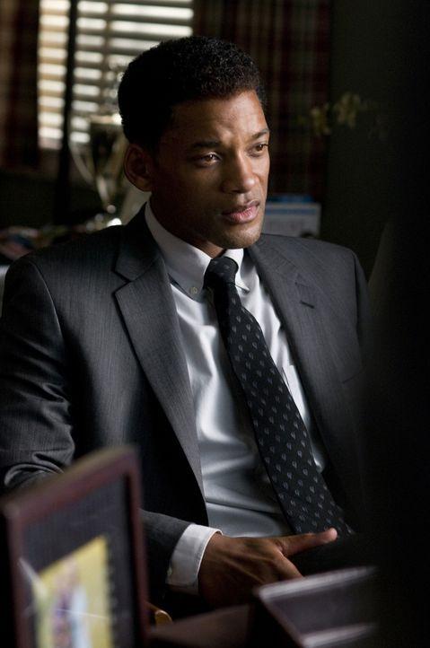 Will seinem Leben einen neuen Sinn geben: Der von großen Schuldgefühlen geplagte Ben Thomas (Will Smith) beschließt, sieben Menschen ein neues Leben... - Bildquelle: 2008 Columbia Pictures Industries, Inc. and Beverly Blvd LLC. All Rights Reserved.