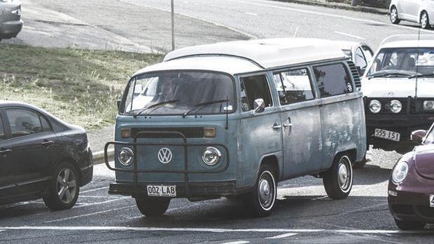 In den 60er-Jahren konnten sich viele auch schon kleine Autos leisten.