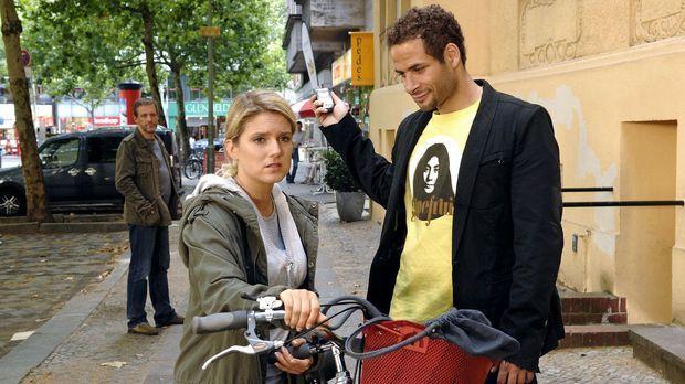 Enttäuscht von Jonas' harschem Verhalten, fährt Anna (Jeanette Biedermann, M....