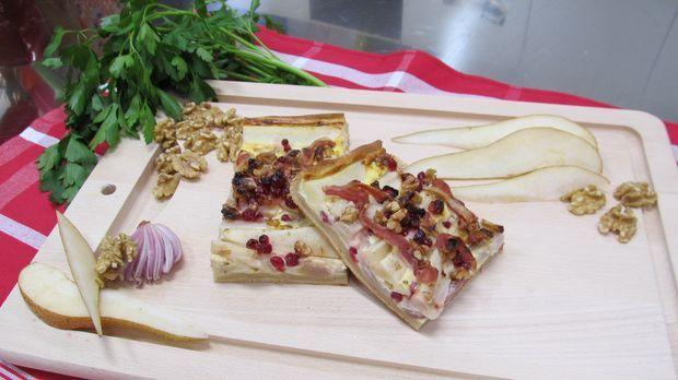 Zwiebel birnen kuchen das rezept aus enie backt for Kuchen zusammenstellen programm