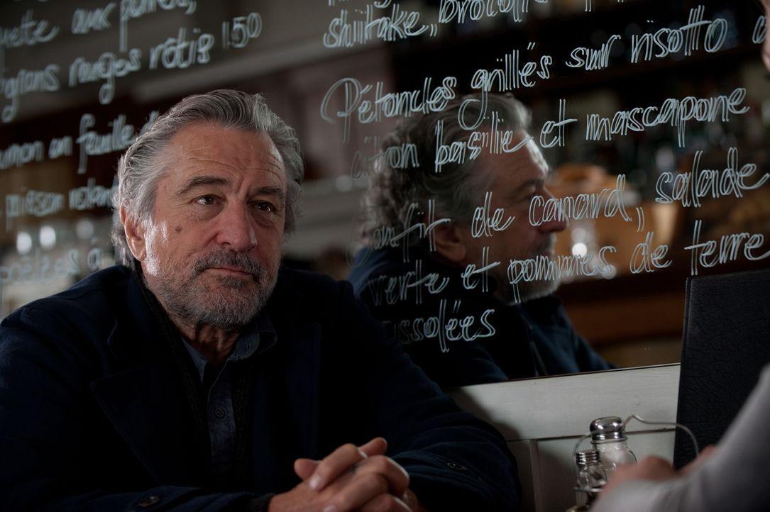 Ist Hunter (Robert De Niro) Teil eines perfiden Plans der britischen Regierung? - Bildquelle: 2011 Concorde Filmverleih GmbH