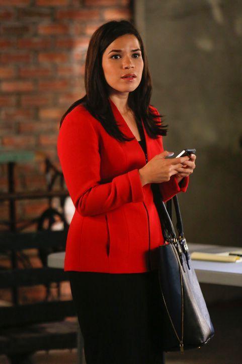 Die hübsche Natalie Flores (America Ferrera) lässt sich auf eine fragwürdige Beziehung ein ... - Bildquelle: Craig Blankenhorn 2013 CBS Broadcasting Inc. All Rights Reserved.