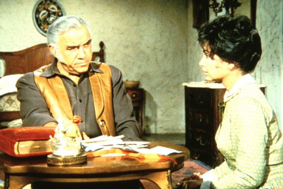 Ben (Lorne Greene) erfährt von Rose (Suzanne Plescette), dass ihr Mann Anführer einer Ver- - Bildquelle: Paramount Pictures