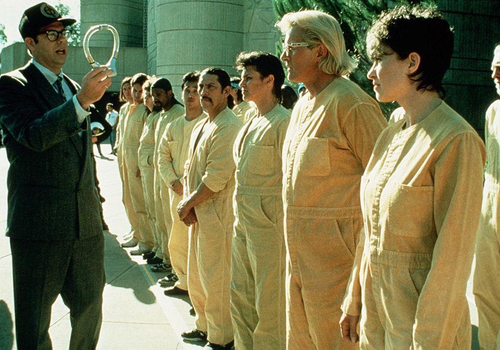 """""""Wedlock"""" - das ist der Name für ein grausames Überwachungsinstrument: Es handelt sich um elektronische Halsbänder, durch die in einem Gefängnis... - Bildquelle: Home Box Office (HBO)"""