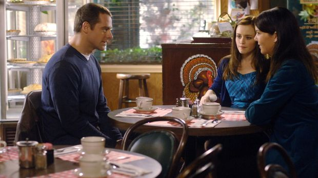 Christopher (David Sutcliffe, l.) berichtet seinen Gilmore Girls (Lauren Grah...
