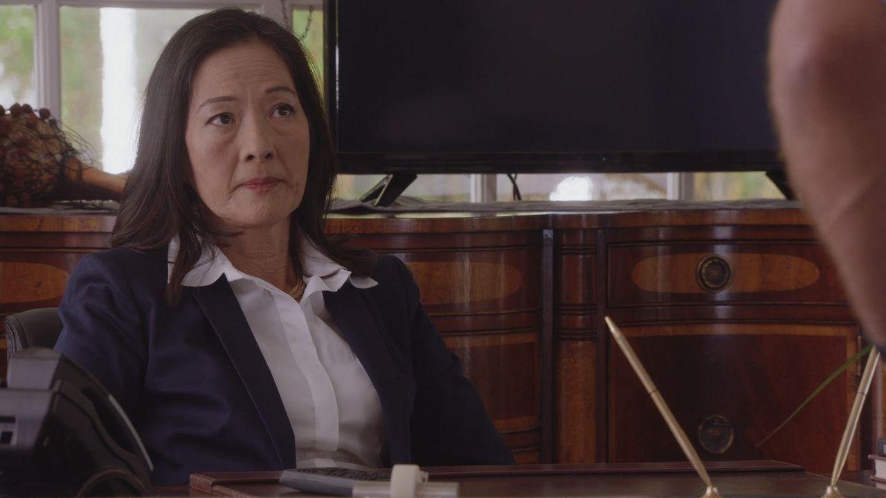 Nachdem mehrere Touristen ermordet wurden, setzt Gouverneurin Keiko Mahoe (Rosalind Chao) Steve und sein Team unter Druck, den Täter schnellstmöglic... - Bildquelle: 2016 CBS Broadcasting, Inc. All Rights Reserved