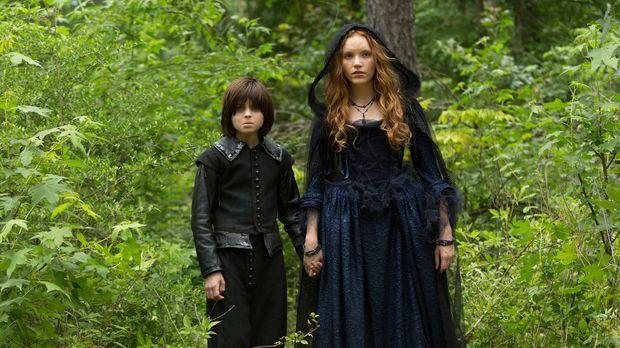 Will Anne (Tamzin Merchant, r.) den kleinen John (Oliver Bell, l.) wirklich i...