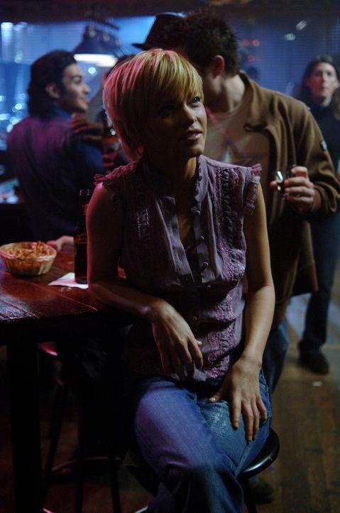 Meg (Nicki Aycox) lässt Sam und Dean in eine Falle tappen. Doch dann wird den beiden deutlich, dass die Falle nicht für sie gedacht war - sie sind n... - Bildquelle: Warner Bros. Television