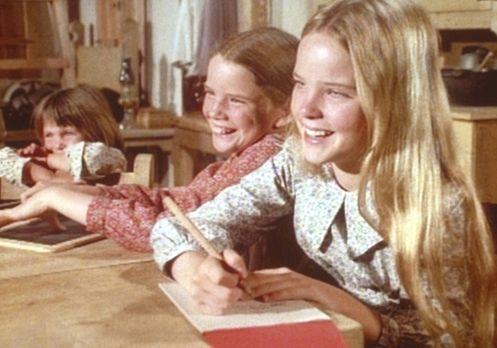 Unsere kleine Farm - Mary (Melissa Sue Anderson, r.), Laura (Melissa Gilbert,...