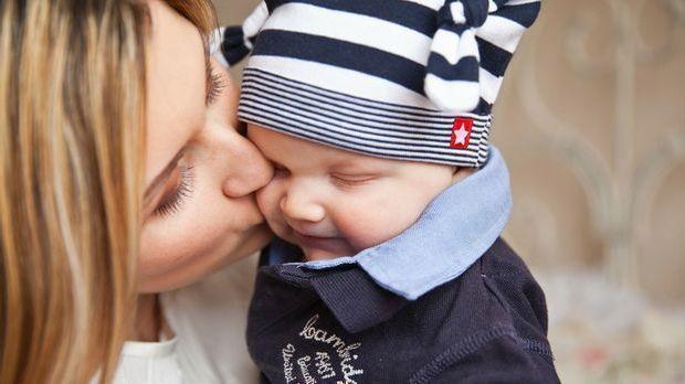 Ziemlich peinlich: Frauen behandeln erwachsene Männer wie ihr Kind.