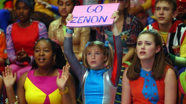 Zenons Fanclub: (v.l.n.r.) Cassiopeia (Phumi Mthembu), Dasha (Alyson Morgan)...