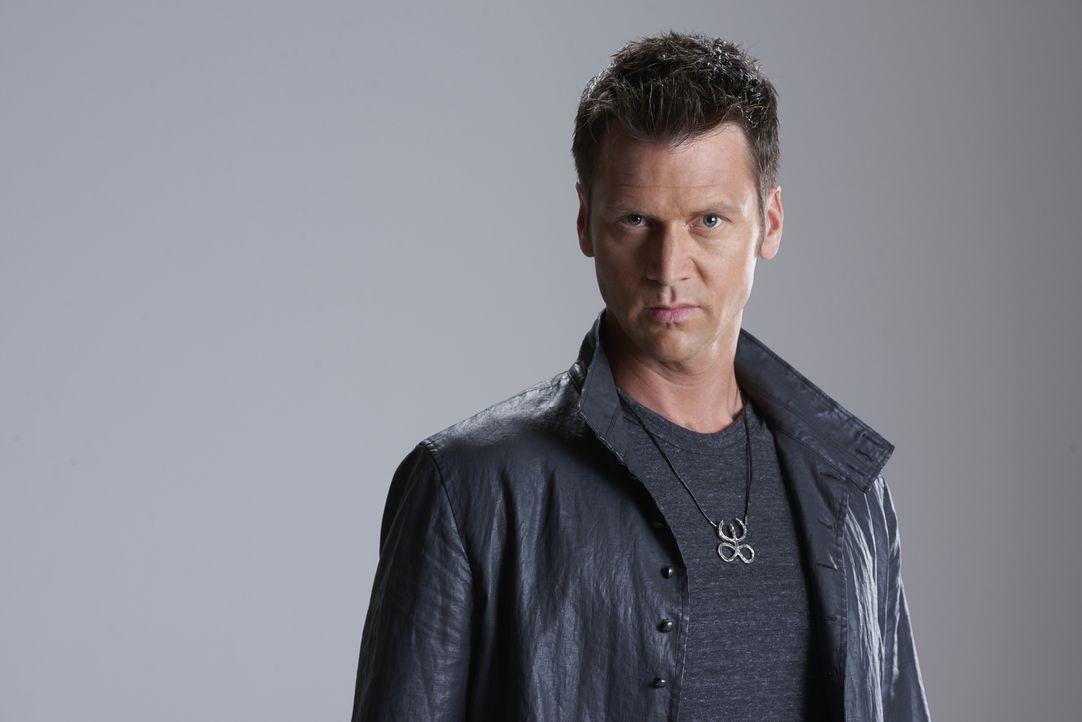 (2. Staffel) - Aleister Winterbourne (Sean Rogerson), hat kein leichtes Leben, denn eigentlich dürfen Hexen keinen Sohn zur Welt bringen ... - Bildquelle: 2015 She-Wolf Season 2 Productions Inc.