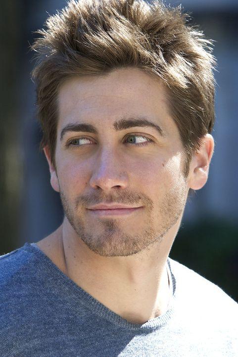 Eines Tages taucht Hal (Jake Gyllenhaal) auf, um die Unterlagen seines verstorbenen Professors zu sichten. Als er in Roberts Notizen einen genialen... - Bildquelle: 2003 Miramax Films. All Rights Reserved.
