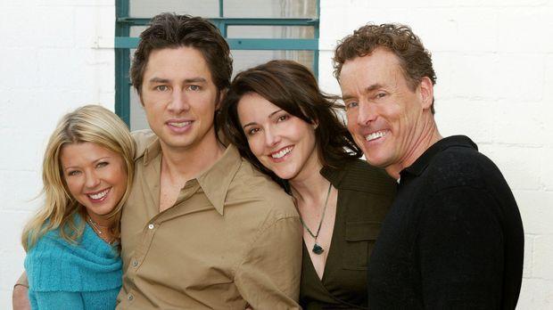 Dreamteam?: J.D. (Zach Braff, 2.v.l.), Danni (Tara Reid, l.), Dr. Cox (John C...
