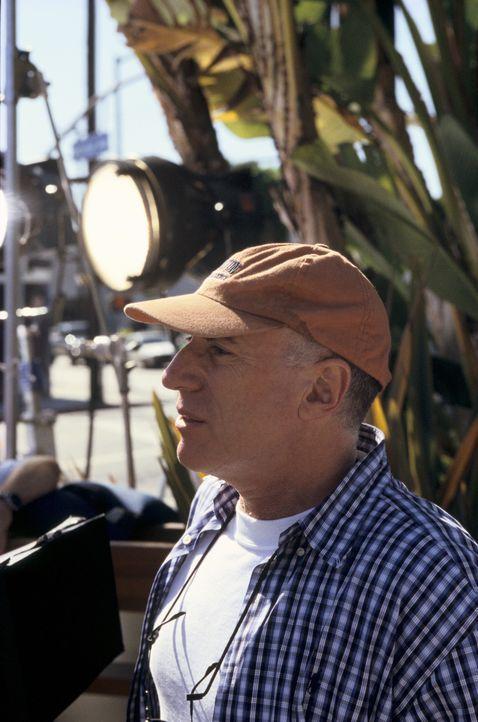 Regisseur Sam Weisman beim Dreh ... - Bildquelle: Mark Fellman Paramount Pictures