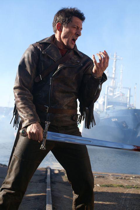 Methos (Peter Wingfield) kann aufgrund seines hohen Alters nicht mehr viel gegen die anderen Unsterblichen ausrichten ... - Bildquelle: Lions Gate Films