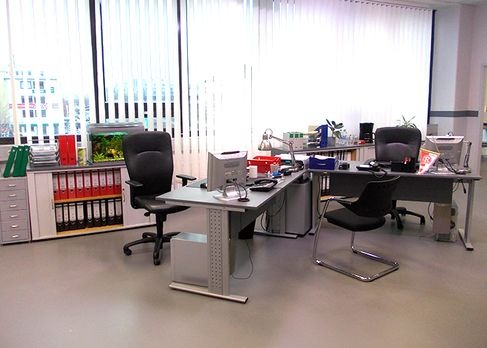k11-130108-alexs-und-michaels-arbeitsplatz-03_SAT - Bildquelle: Constantin En...