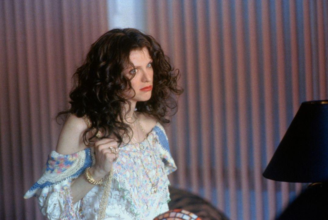 Drogensüchtig und ungeheuer geschäftstüchtig: Die exzentrische Althea Leasure (Courtney Love) wird zur wichtigsten Frau in Larry Flints Leben ... - Bildquelle: Columbia Pictures