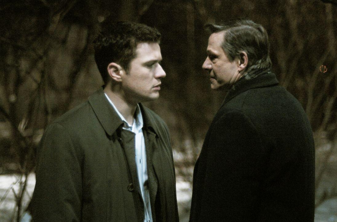 Ein ungleiches Paar: Eric O'Neill (Ryan Phillippe, l.) und Robert Hanssen (Chris Cooper, r.) ... - Bildquelle: Universal Pictures