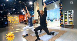 Detlef D! Soost macht vor, wie Sie Ihre Bauchmuskeln auch im Stehen trainiere...