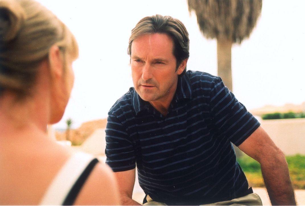 Daniels Vater, der ausgekochte Immobilienhai Renner (Helmut Zierl), träumt davon, seinen Sohn in das Unternehmen einbinden zu können. Doch der Sohn... - Bildquelle: Lucia Fuster ProSieben