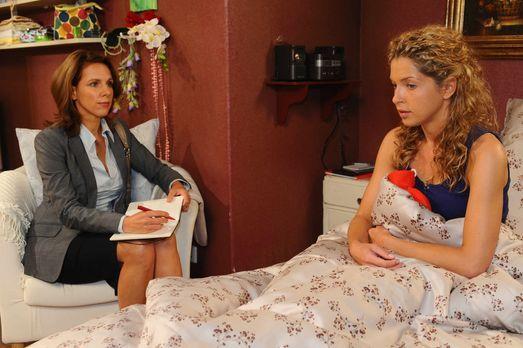 Nina (Maria Wedig, r.) muss nach alldem was geschehen ist, alles noch einmal...