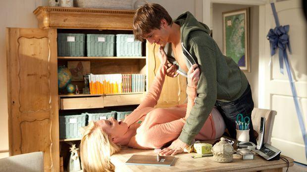 Jen (Katherine Heigl, l.) und Spencer (Ashton Kutcher, r.) sind glücklich ver...
