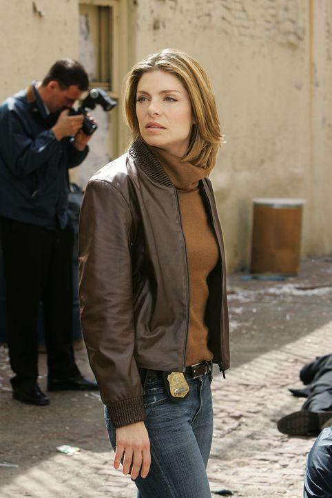 Versucht einen Mordfall zu klären: Det. Andrea Sparr (Gretchen Egolf) ... - Bildquelle: CBS Television