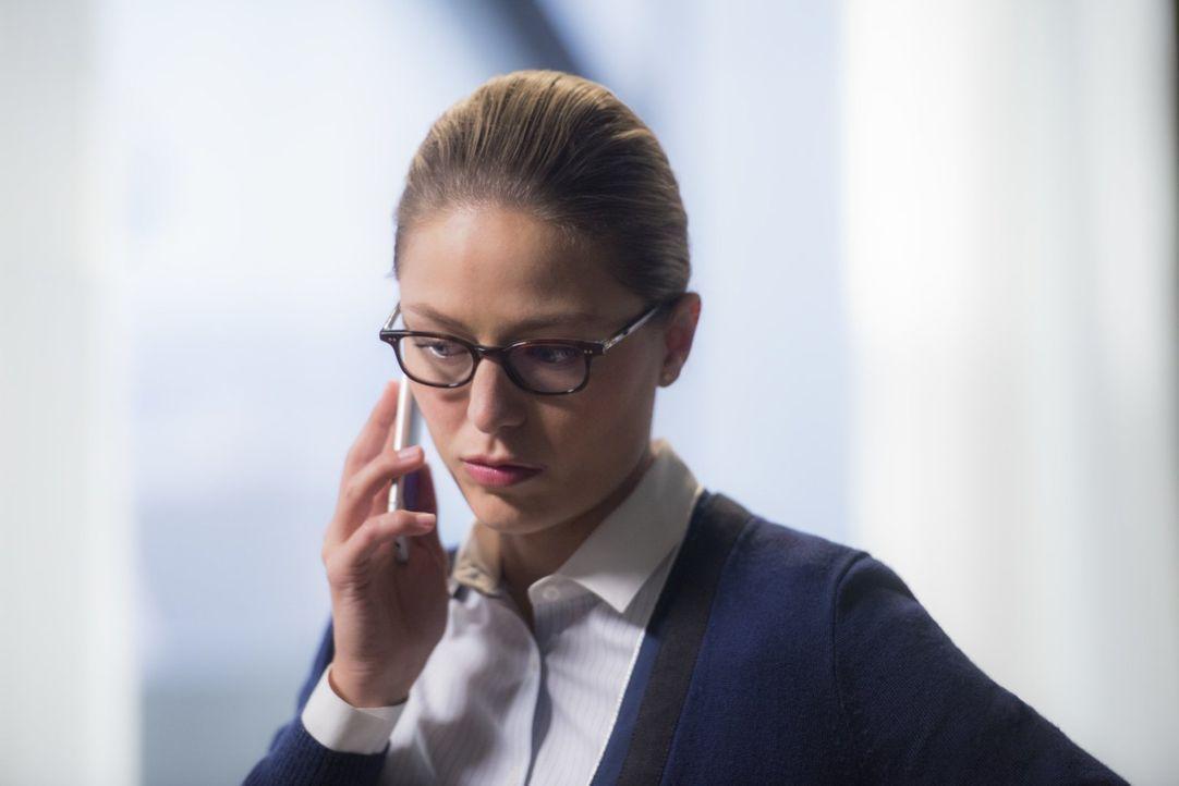 Während Kara (Melissa Benoist) Lena zur Hilfe kommt, wendet sich Sam an Alex, als ihr bewusst wird, dass sie immer mehr Gedächtnislücken hat ... - Bildquelle: 2017 Warner Bros.