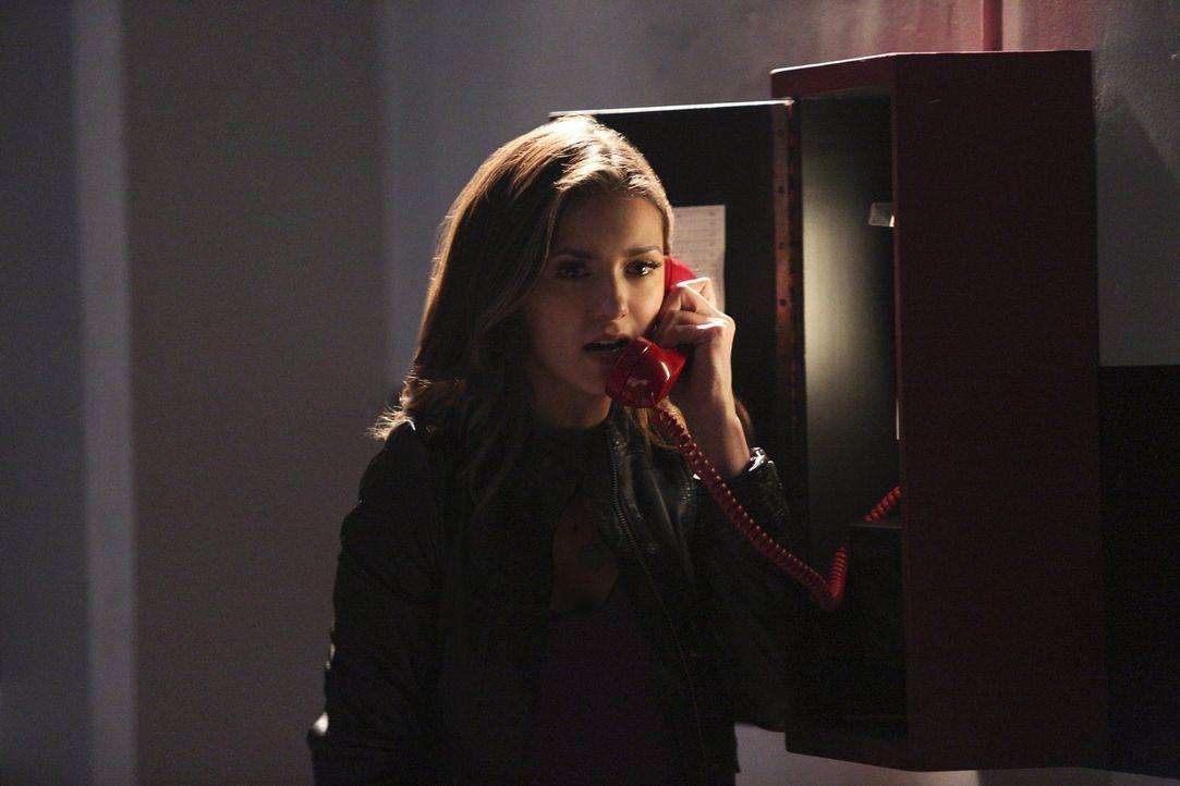 Während Elena (Nina Dobrev) versucht, gegen Kai zu kämpfen, bereiten sich seine Geschwister auf eine unausweichliche Prozedur vor ... - Bildquelle: Warner Bros. Entertainment, Inc