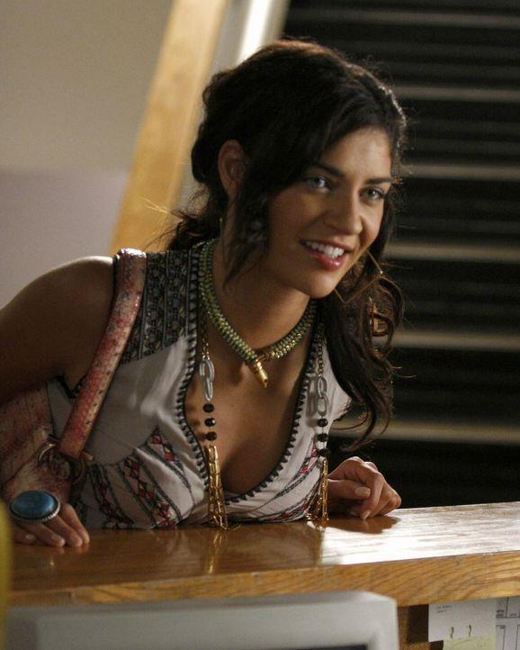 Erkundigt sich, ob Scott überhaupt an der NYU eingeschrieben ist und erlebt ihr blaues Wunder: Vanessa (Jessica Szohr) ... - Bildquelle: Warner Brothers