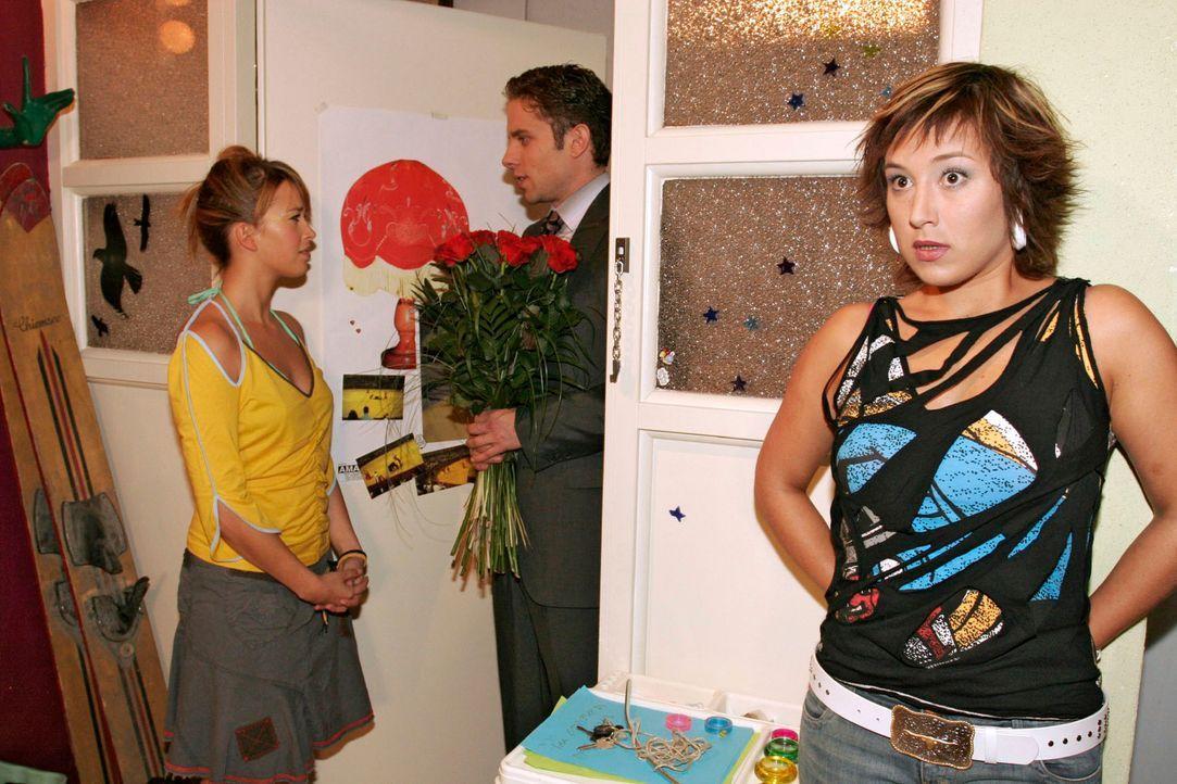 Max (Alexander Sternberg, M.) glaubt, einen Weg gefunden zu haben, wie er Yvonne (Bärbel Schleker, r.) von seiner Liebe zu ihr überzeugen kann. Do... - Bildquelle: Noreen Flynn Sat.1