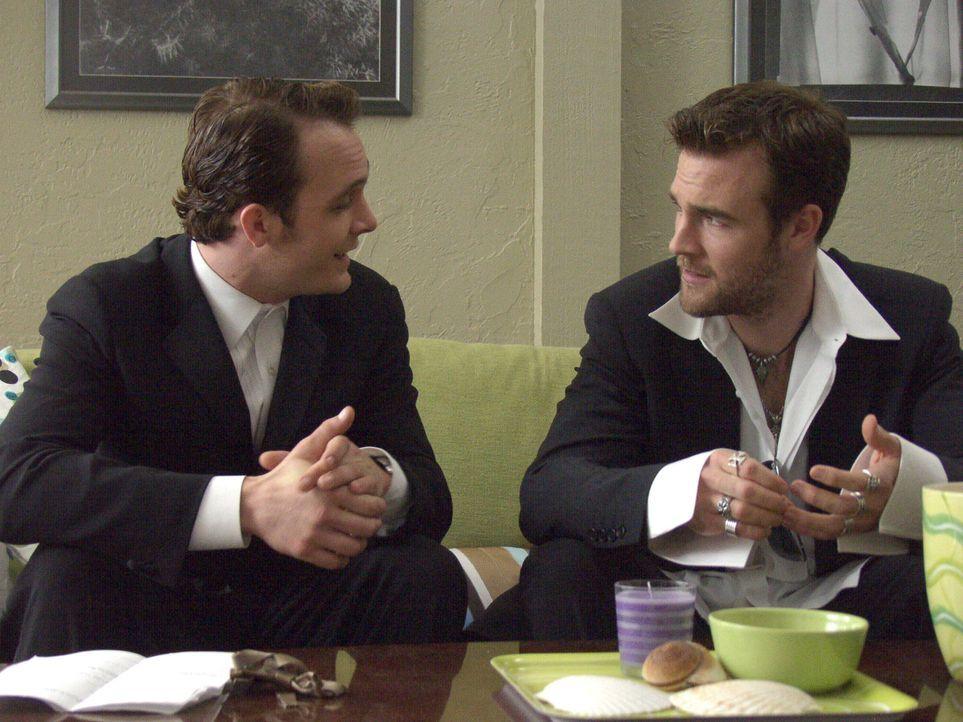 Elise und Michael haben ihre Hochzeitsvorbereitungen fast abgeschlossen, da taucht Simon (James van der Beek, r) auf - der abgedrehte Schauspieler m...