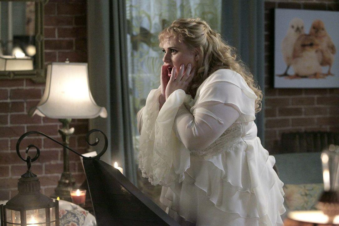 Während Kimmie (Rebel Wilson) bisher am Valentinstag immer allein war, interessieren sich dieses Mal plötzlich gleich mehrere Männer für sie ... - Bildquelle: Warner Brothers