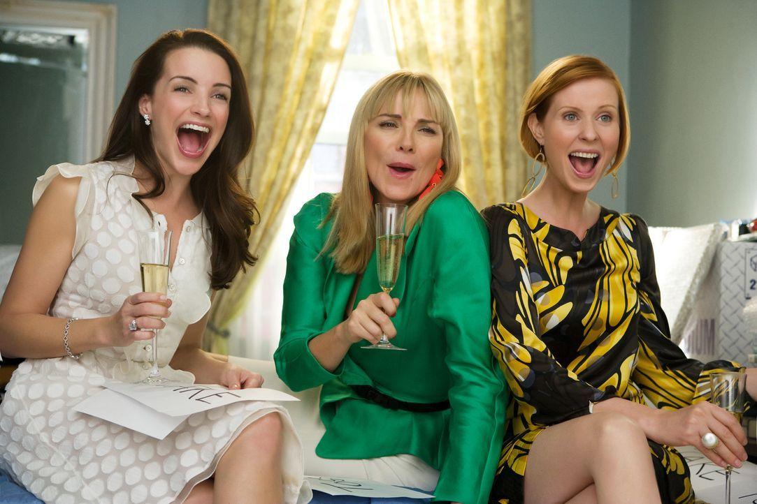 So macht der Umzug Spaß! Charlotte (Kristin Davis, l.), Samantha (Kim Cattrall, M.) und Miranda (Cynthia Nixon, r.) dürfen entscheiden, welche von... - Bildquelle: Warner Brothers