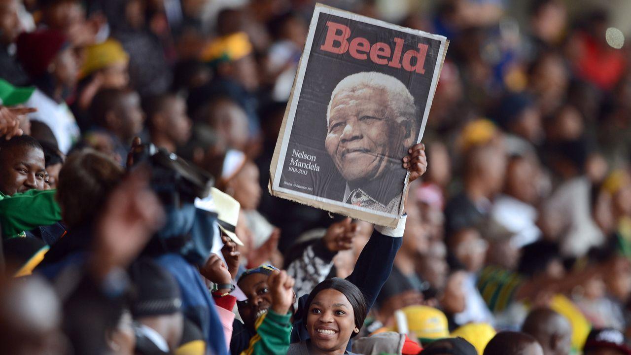 Beerdigung-Nelson-Mandela-13-12-10-16-AFP - Bildquelle: AFP