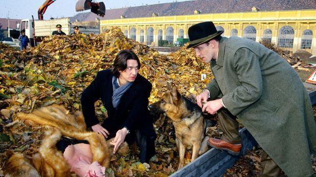 Kommissar Richie Moser (Tobias Moretti, M.) und sein Assistent Stockinger (Ka...