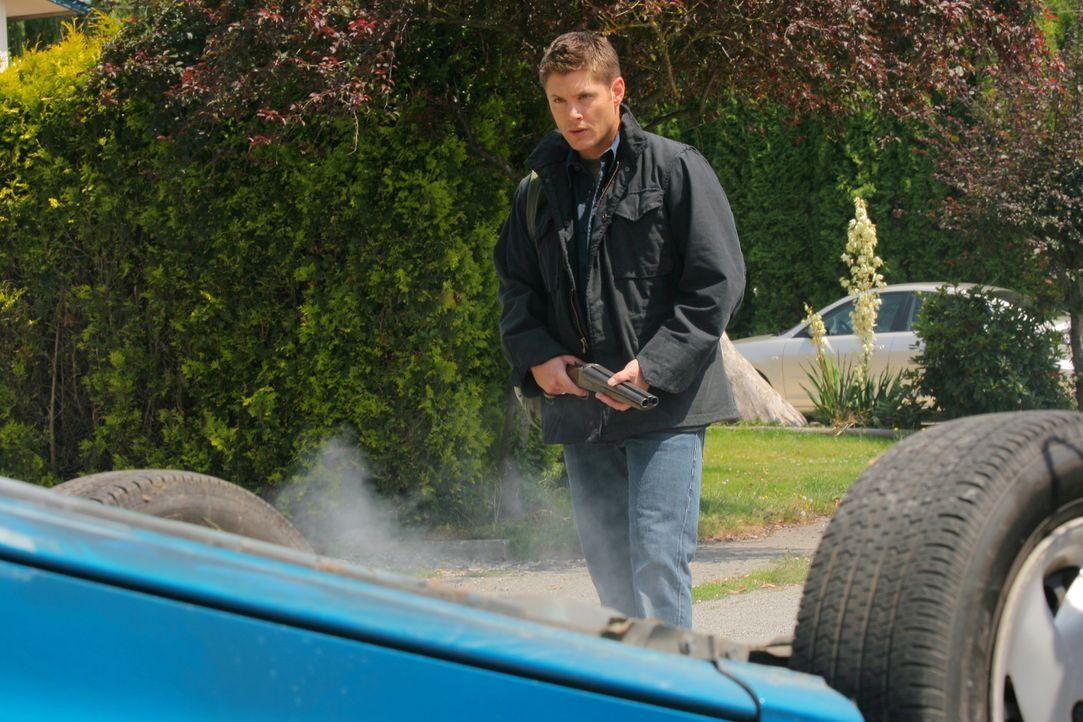 Während Sam und Dean (Jensen Ackles) Jäger Rufus Turner zu Hilfe eilen, versucht Castiel den Einzigen zu finden, der Luzifer besiegen kann - nämlich... - Bildquelle: Warner Bros. Television