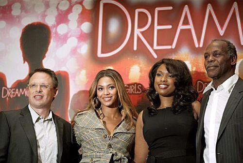 Bill Condon and Beyonce Knowles, Jennifer Hudson und Danny Glover bei der Präsentation ihres Films 'Dreamgirls' in Berlin am 19. Januar 2007. Jenn... - Bildquelle: dpa