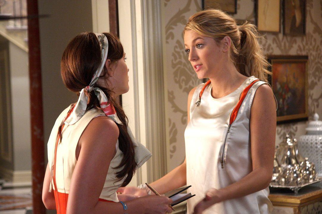 Bei der Planung für die Party verlässt sich Blair (Leighton Meester, l.) voll und ganz auf das Gespür von Serena (Blake Lively, r.) ... - Bildquelle: Warner Brothers