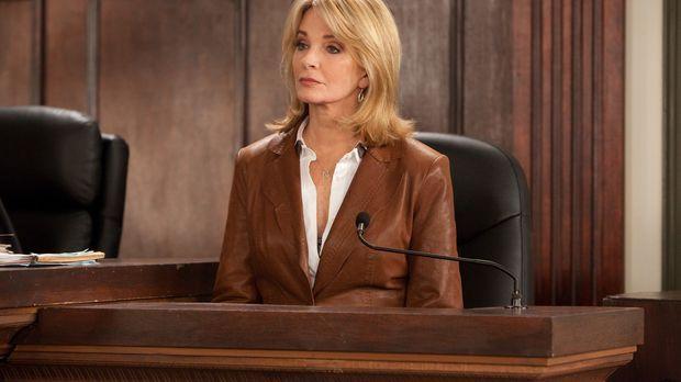 Deirdre Hall (Deirdre Hall) sagt als Zeugin vor Gericht aus ... © 2011 Sony P...