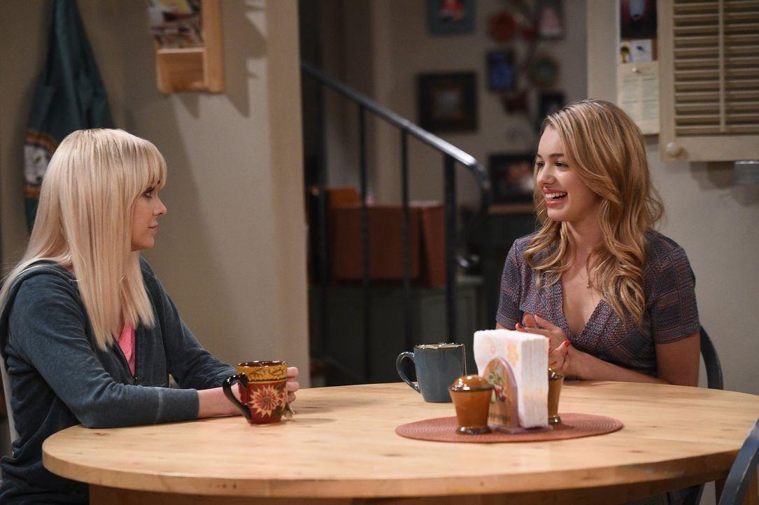 Christy (Anna Faris, l.) könnte nicht glücklicher sein: Violet (Sadie Calvano, r.) will mehr Zeit mit ihr verbringen und ihre Beziehung zueinander v... - Bildquelle: 2015 Warner Bros. Entertainment, Inc.