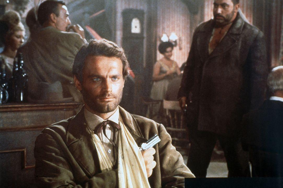 Schreckt vor nichts zurück, um seine ganz persönliche Rache zu bekommen: Django (Terence Hill) ... - Bildquelle: Tobis